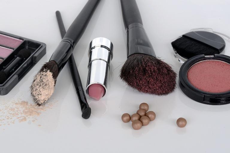 Produtos maquiagem simples passo a passo