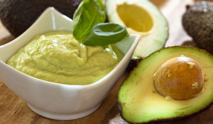 Alimentos que deixam a pele bonita e lisa. O abacate alimento que ajudam a manter a elasticidade da pele