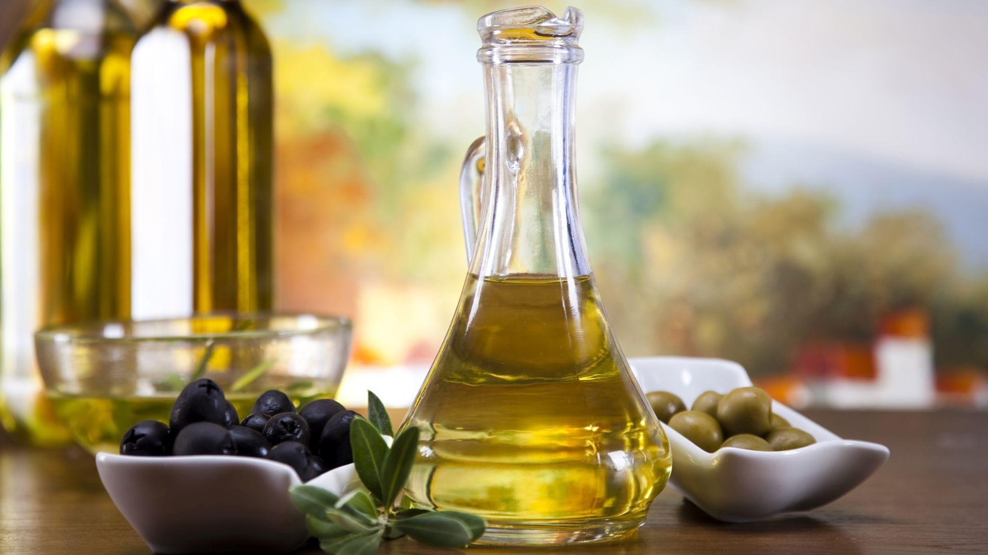 Como fazer a unha crescer com alho e azeite