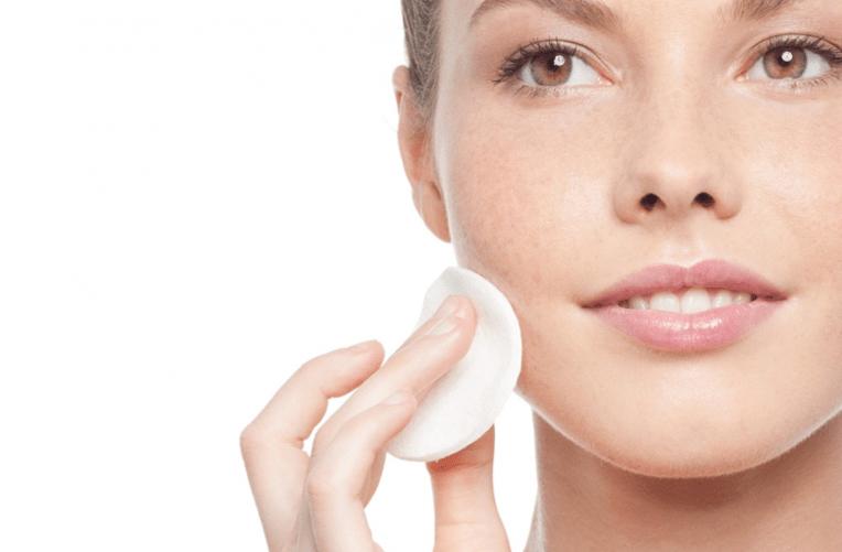 Tonificação e rotina de cuidados que devemos ter com a nossa pele diariamente