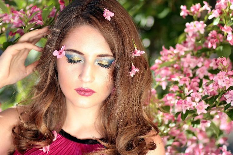 Maquiagem para realçar sua beleza natural e autoestima feminina, aprenda a elevar a sua autoestima